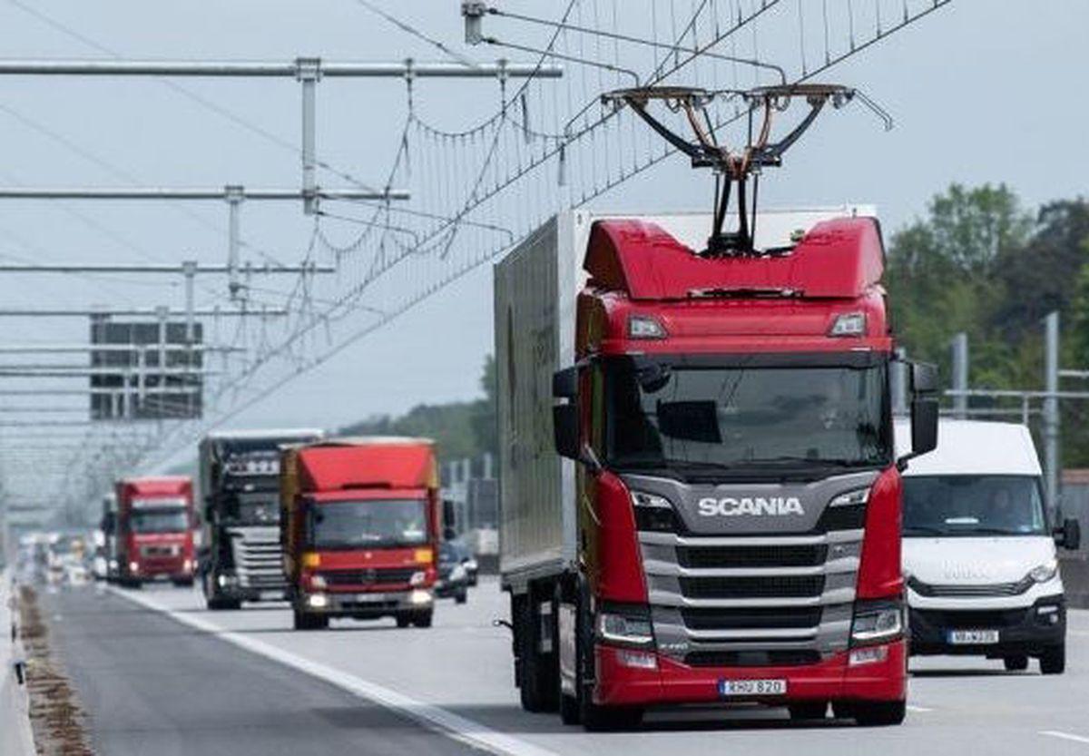 autopista para camiones híbridos