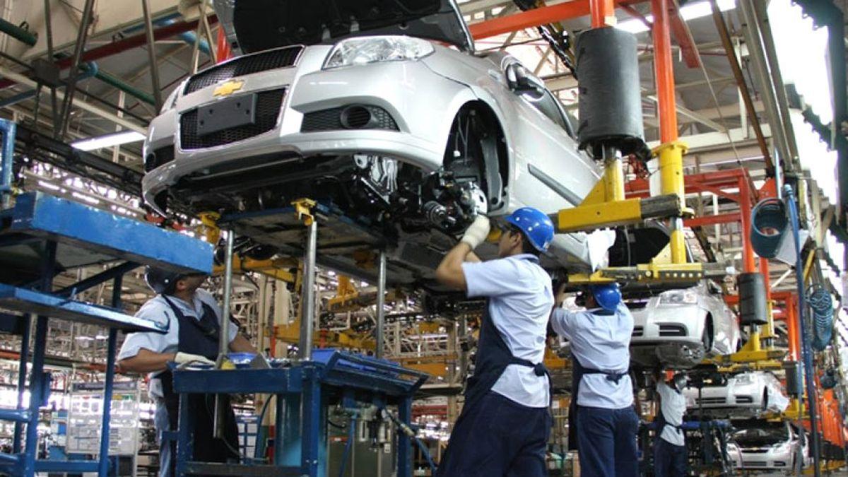 Miles de despedidos en la industria automotriz mundial | Revista Algoritmo